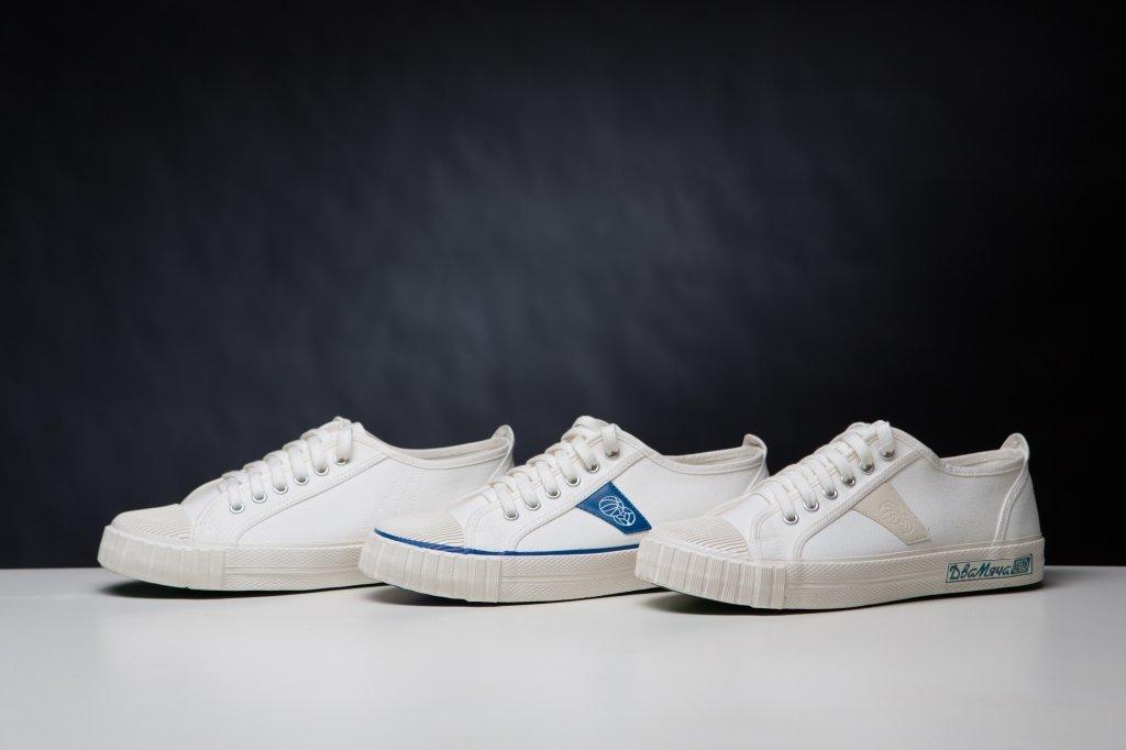 Белые кеды — удобная обувь для выигрышного образа